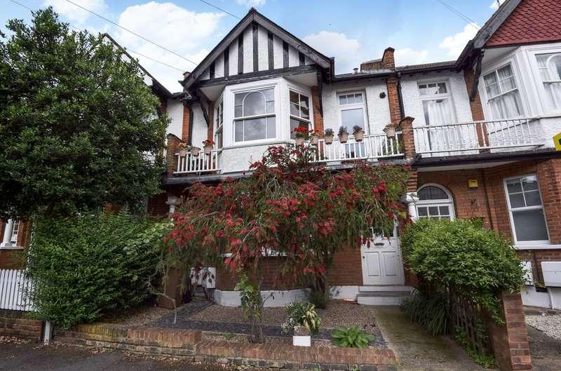 3 Bedrooms Flat for sale in Stanton Road, Wimbledon, SW20