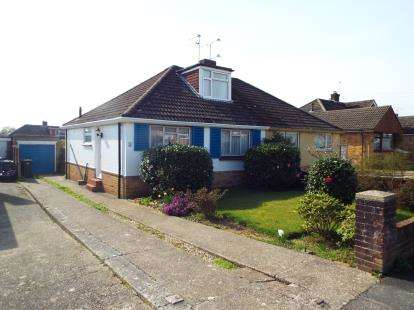 Bungalow for sale in Waterlooville, Hampshire, United Kingdom