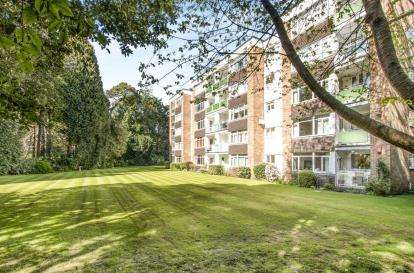 2 Bedrooms Flat for sale in 19-21 The Avenue, Poole, Dorset