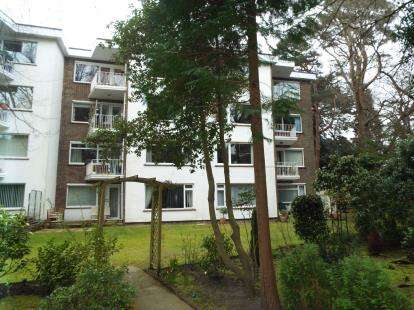 2 Bedrooms Flat for sale in 18 Lindsay Road, Poole