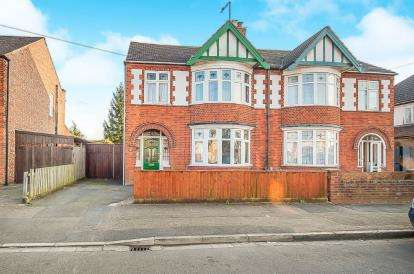 3 Bedrooms Semi Detached House for sale in Cecil Road, Peterborough, Cambridgeshire, United Kingdom