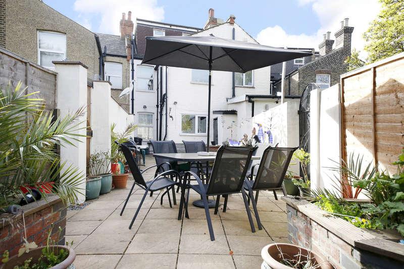 4 Bedrooms Terraced House for sale in Woodside Road, London, SE25