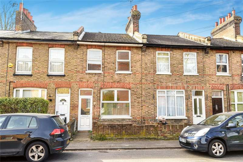3 Bedrooms Terraced House for sale in Chiltern View Road, Uxbridge, Middlesex, UB8