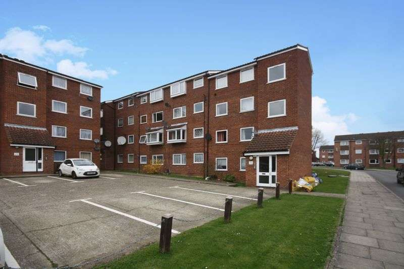 2 Bedrooms Flat for sale in Makepeace Road, Northolt