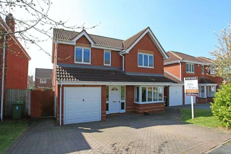 4 Bedrooms Detached House for sale in Hookacre Grove, Priorslee, Telford
