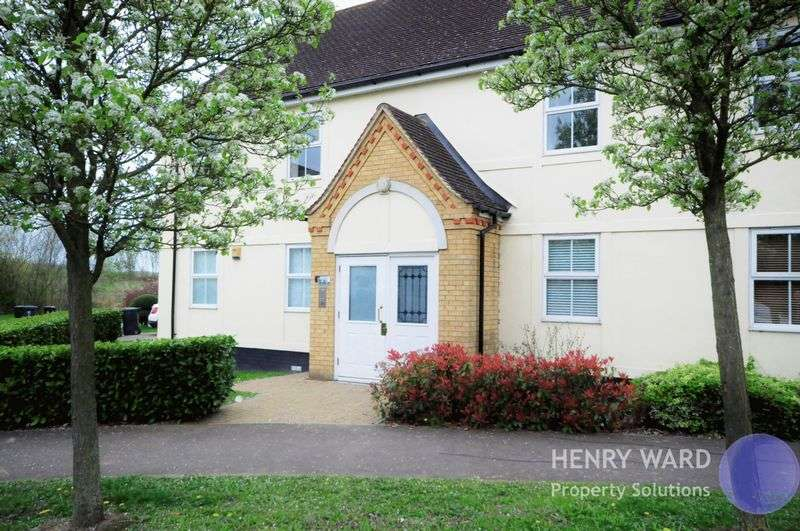 2 Bedrooms Flat for sale in Greenwich Way, Waltham Abbey