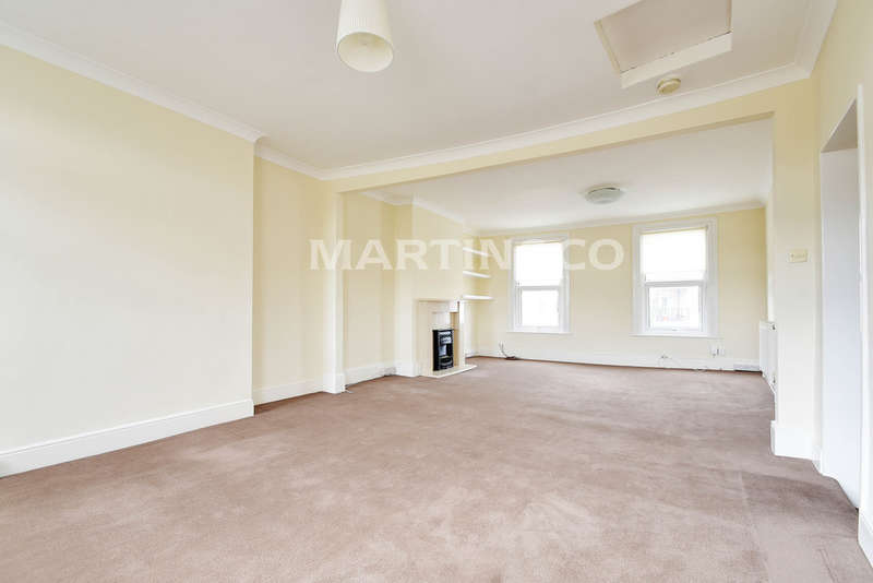 3 Bedrooms Apartment Flat for sale in High Road, South Woodford