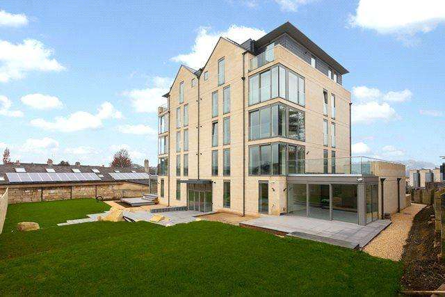 2 Bedrooms Flat for sale in Charters, Upper Oldfield Park, Bath, BA2