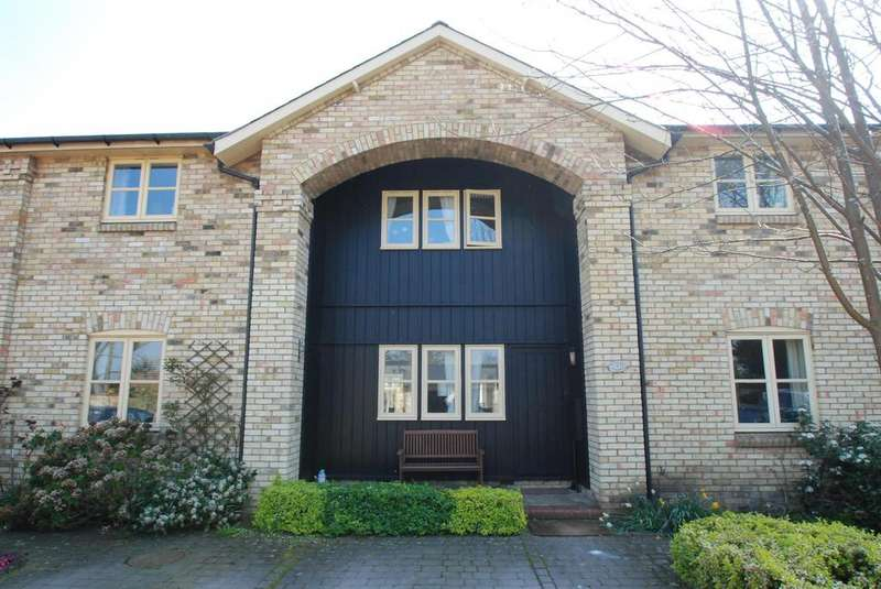 4 Bedrooms Terraced House for sale in Tuthill Court, Therfield