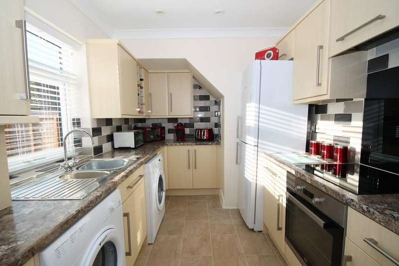 3 Bedrooms Terraced House for sale in Tower Road, Lancing, BN15 9JR