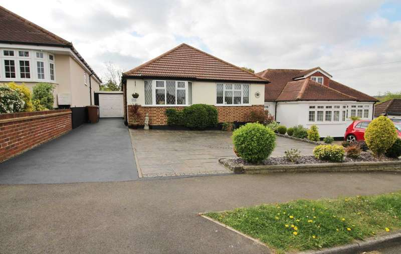 2 Bedrooms Detached Bungalow for sale in Greenfield Avenue, Carpenders Park.