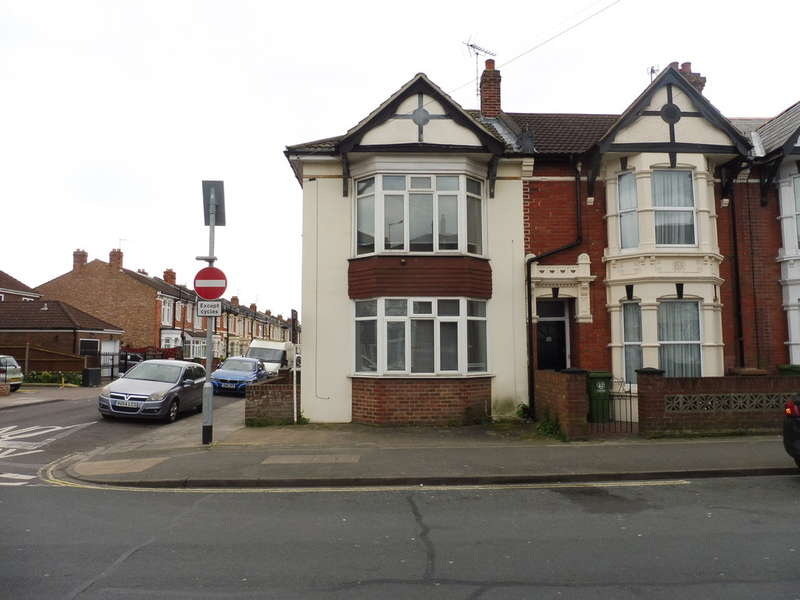 1 Bedroom End Of Terrace House for sale in Hayling Avenue, Portsmouth