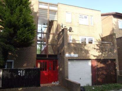 3 Bedrooms Maisonette Flat for sale in Mullion Place, Fishermead, Milton Keynes, Buckinghamshire
