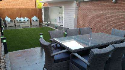 3 Bedrooms Detached House for sale in Laindon, Essex