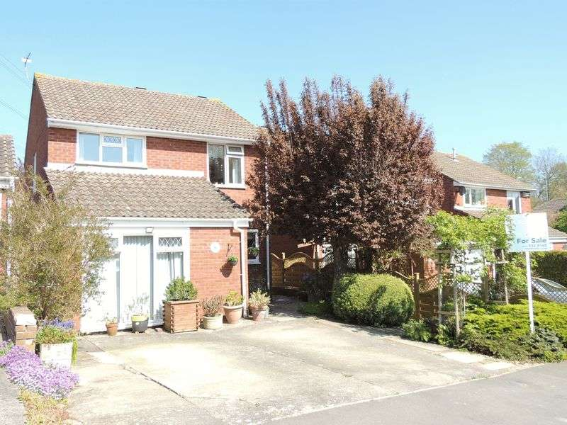 3 Bedrooms Detached House for sale in Withington Close, Bitton, Bristol