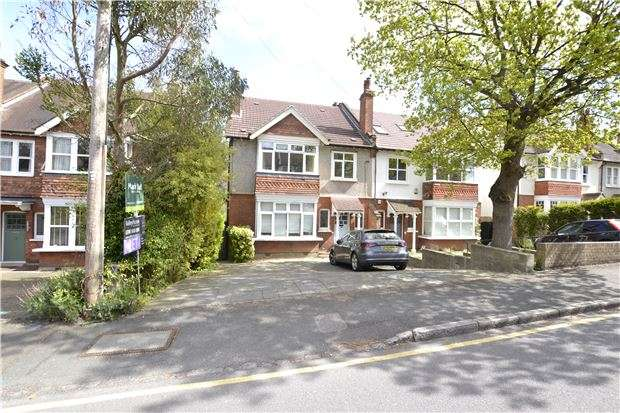 3 Bedrooms Maisonette Flat for sale in Dale Road, PURLEY, Surrey, CR8 2ED