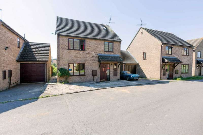 5 Bedrooms Detached House for sale in Weavers Close, Witney