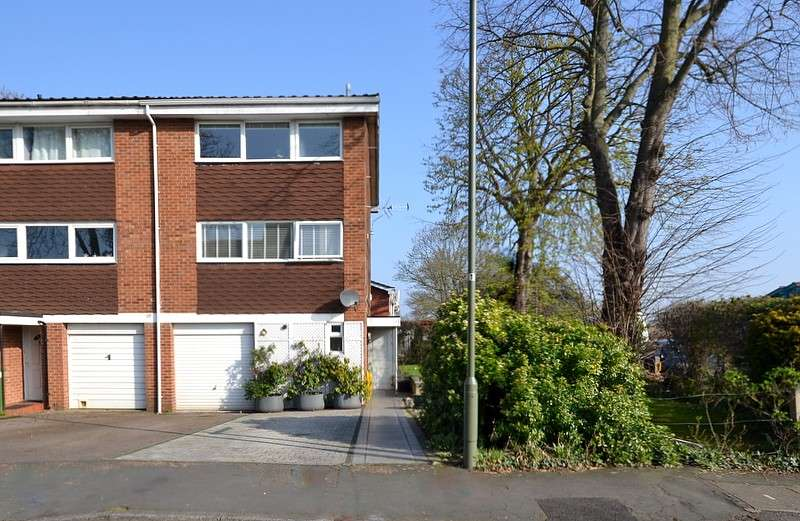 4 Bedrooms Town House for sale in Shepperton
