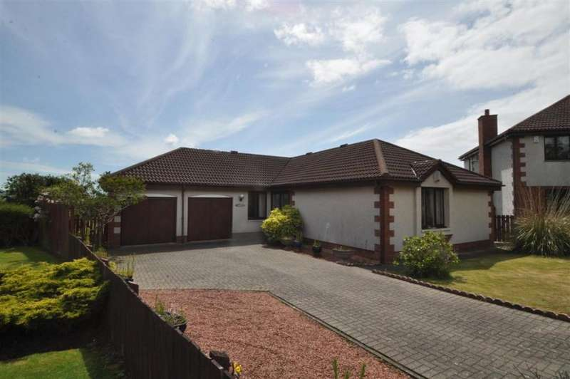 3 Bedrooms Bungalow for sale in 22 Newhaven Grove, Largs, KA30 8NS