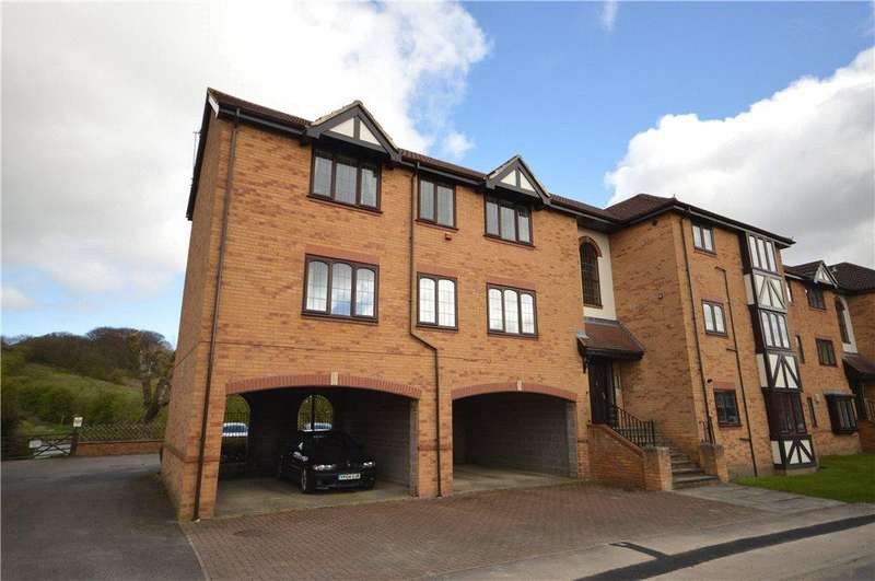 2 Bedrooms Apartment Flat for sale in Lakeside Chase, Rawdon, Leeds