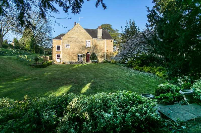 5 Bedrooms Detached House for sale in Vicarage Lane, Bramham, Wetherby, West Yorkshire, LS23