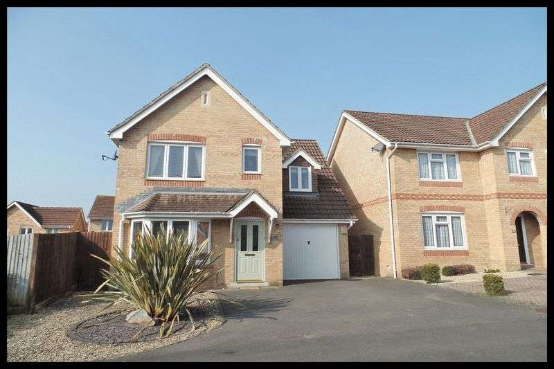3 Bedrooms Detached House for sale in Jessica Crescent, Totton