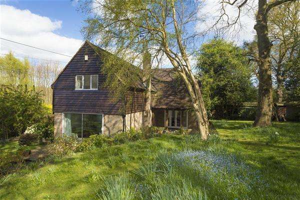 5 Bedrooms Detached House for sale in Willow Bank, Hickmans Green, Boughton-under-Blean