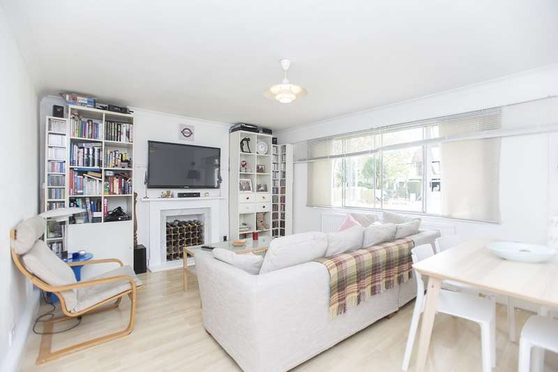 2 Bedrooms Flat for sale in 2 Gunyah Court, Chiswick, London, W4