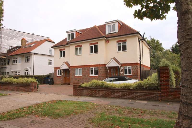 4 Bedrooms Semi Detached House for sale in Elgar Avenue, Surbiton, Surrey, KT5
