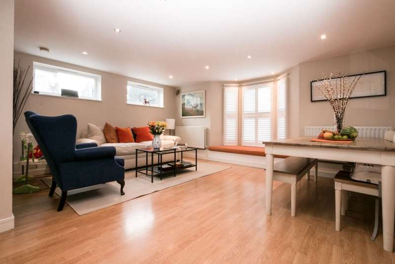 2 Bedrooms Apartment Flat for sale in Gap Road, London, London, SW19