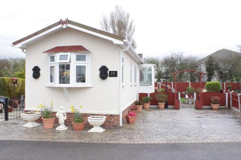 1 Bedroom Park Home Mobile Home for sale in Littlepaddock Residential Site off Gwellyn Av, Kinmel Bay, Conway, LL18
