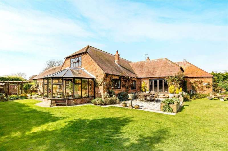 4 Bedrooms Detached House for sale in Highleigh Road, Highleigh, Chichester, West Sussex