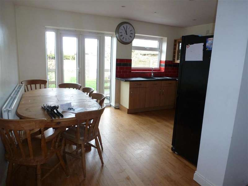 3 Bedrooms Semi Detached House for sale in Orchard Way, Bognor Regis, West Sussex