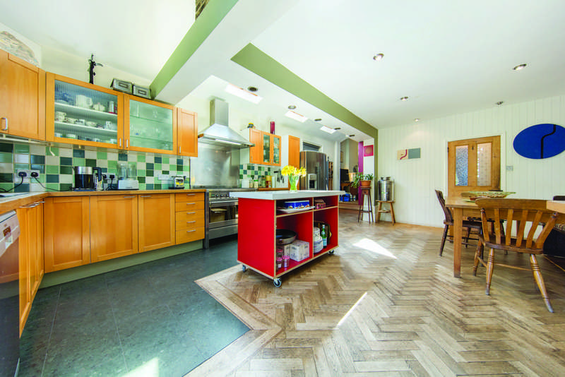 4 Bedrooms Terraced House for sale in Hitherfield Road, SW16
