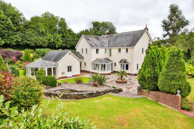 5 Bedrooms Detached House for sale in Hendrew Lane, Llandevaud, Monmouthshire, NP18