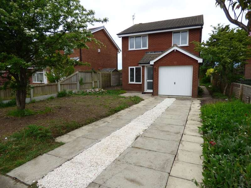 3 Bedrooms Detached House for sale in Highbury Road East, Lytham St. Annes, Lancashire, FY8