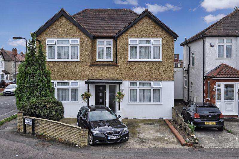 4 Bedrooms House for sale in Formby Avenue, Stanmore