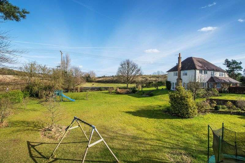 3 Bedrooms Detached House for sale in Seale Lane, Farnham