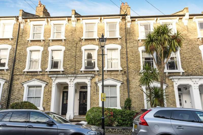 3 Bedrooms Flat for sale in Quentin Road London SE13