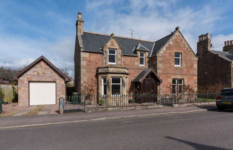 4 Bedrooms Detached House for sale in St. James Street, Dingwall, Highland, IV15 9JA