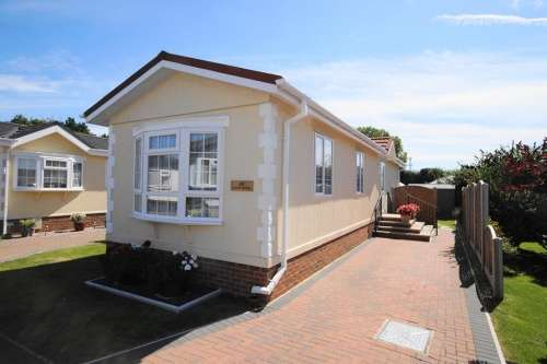 2 Bedrooms Detached House for sale in Stour Park, Bournemouth