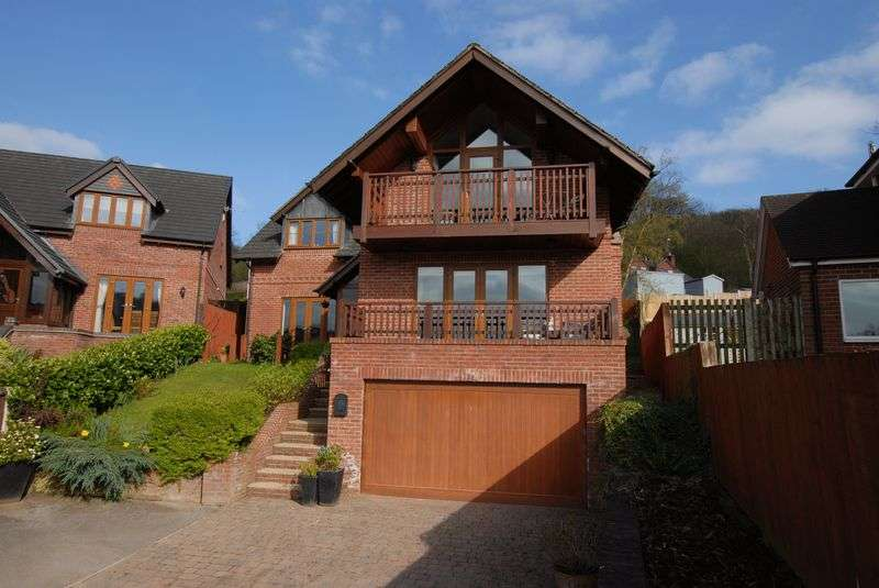 5 Bedrooms Detached House for sale in Farley Road, Oakamoor