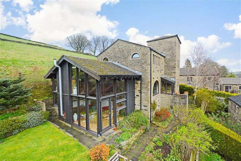 4 Bedrooms Detached House for sale in Ash Court, Fairfields Road, Hinchliffe Mill, Holmfirth, HD9