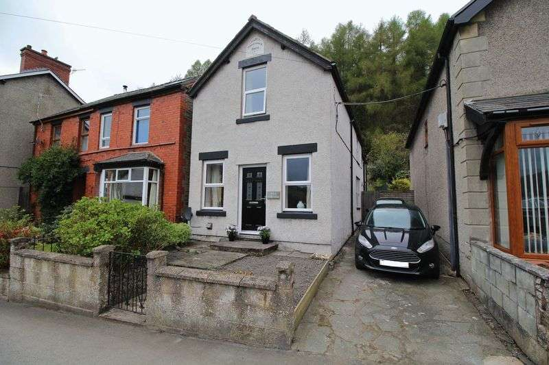 3 Bedrooms Detached House for sale in High Street, Glyn Ceiriog