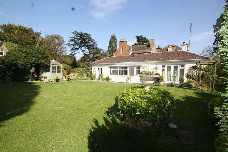 2 Bedrooms Detached Bungalow for sale in Swindon Hall, Swindon Village, Cheltenham