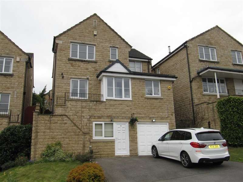 4 Bedrooms Detached House for sale in Woodlea Avenue, Lindley, Huddersfield, HD3