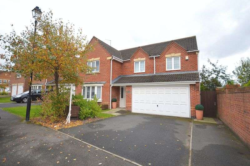 5 Bedrooms Detached House for sale in 19 Falkirk Avenue, Widnes