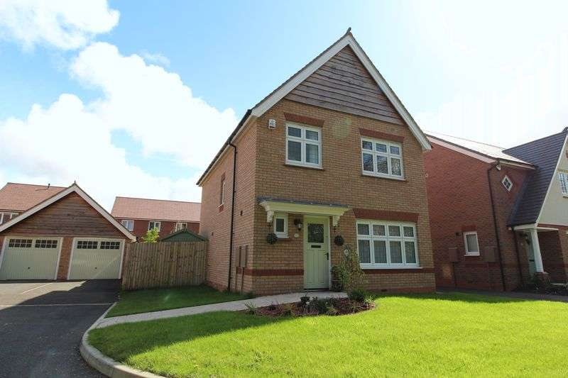 3 Bedrooms Detached House for sale in Dunlin Grove, Banks, Southport