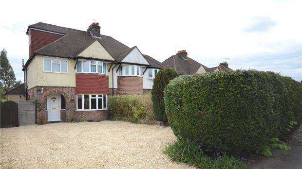 4 Bedrooms Semi Detached House for sale in Weybourne Road, Farnham, Surrey