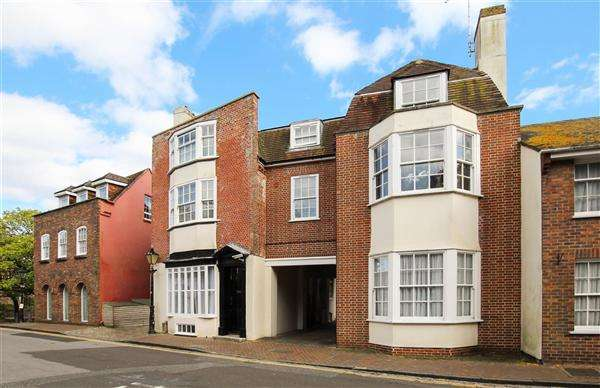 3 Bedrooms Maisonette Flat for sale in Market Street, Poole